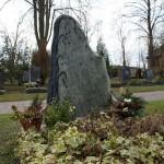 Grabstein als Monolith